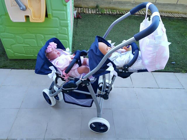 carrito gemelar de juguete