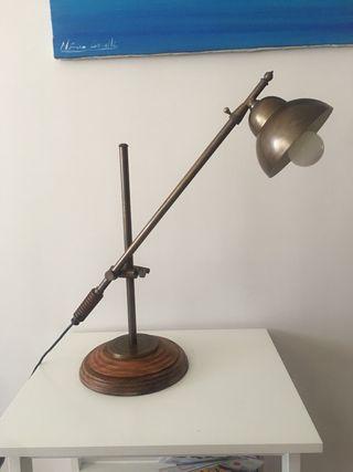 Maravillosa lámpara flexo