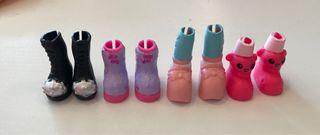 Botas de muñecas miniatura.