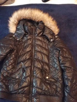 Abrigo plumas negro