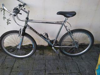 Bicicleta de montaña. Talla del cuadro 54 cm.
