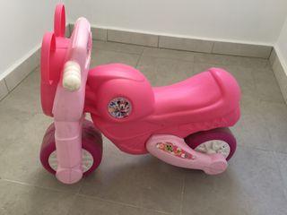 Moto Correcaminos Minnie