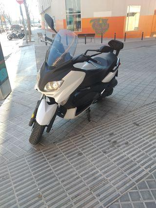 Yamaha x Max 250 2010