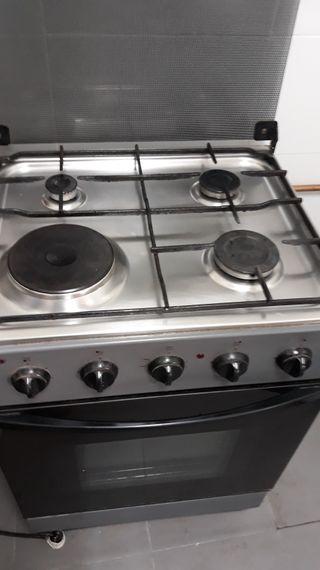 Cocinas de gas con horno el ctrico de segunda mano en for Cocina de gas con horno electrico