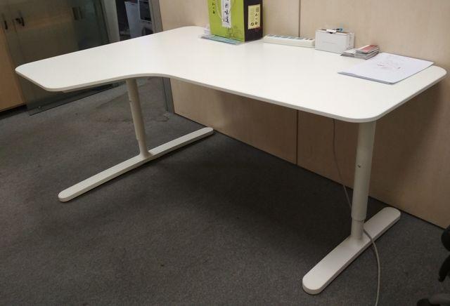 Mesa de oficina Ikea de segunda mano por 50 € en Las Rozas de Madrid ...