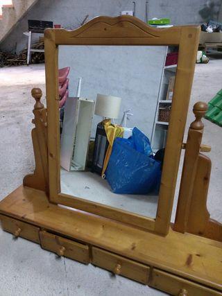 tocador con espejo