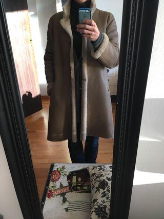Abrigo piel lujo pelo interior. PVP 1.200€