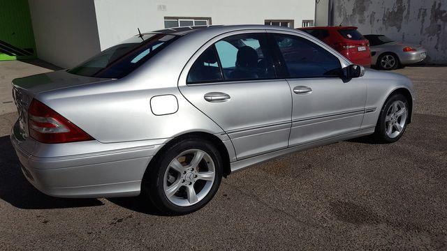 Mercedes-Benz Clase C320 2005