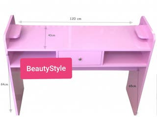 Mesa manicura rosa