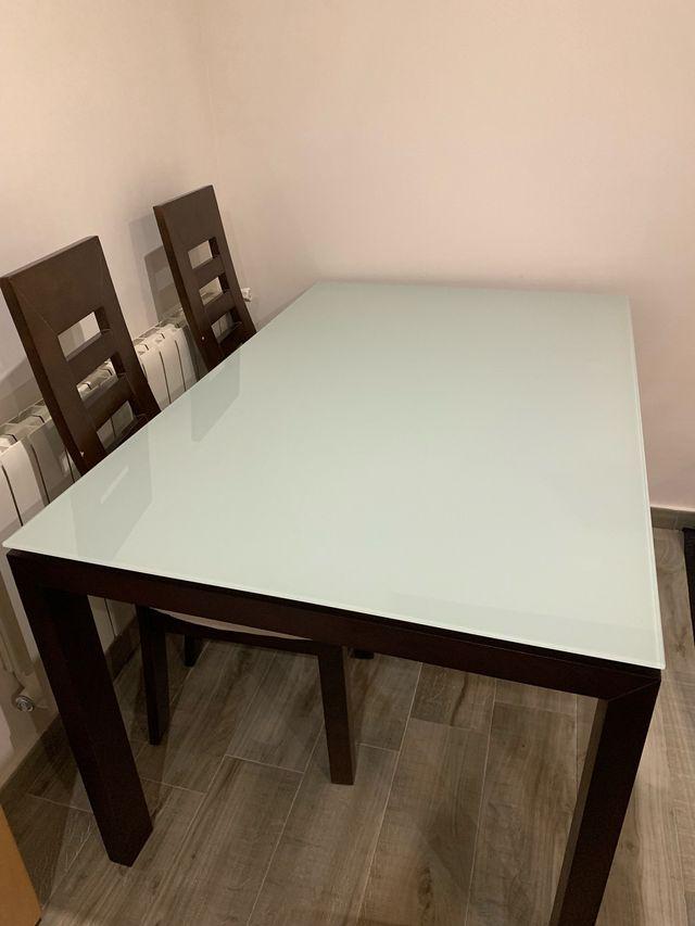 Mesa de comedor de vidrio extensible y 4 sillas de segunda mano por ...