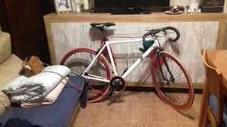 Fixie bicicleta carretera urbana