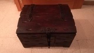 cofre de madera buena antigua