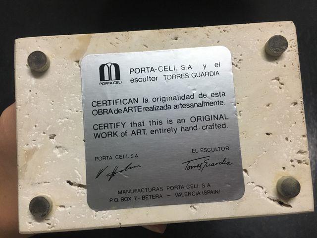 Escultura Paloma Torres Guardia Porta Celi