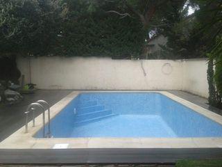 Escalera de obra subir suelo de piscina