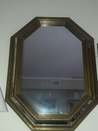 Espejo 63 cm. x 83 cm.