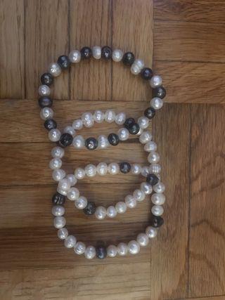 8a8a8e5ce198 Pulsera de perlas naturales de segunda mano en Madrid en WALLAPOP