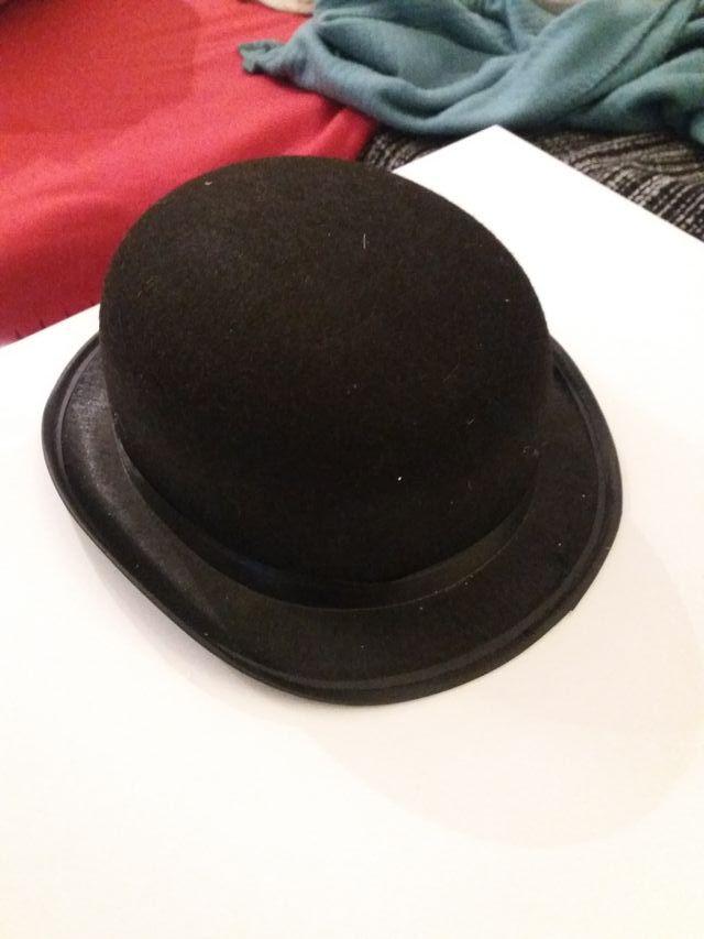 f7be3ed8997d2 Sombrero bombin negro de segunda mano por 4 € en Terrassa en WALLAPOP