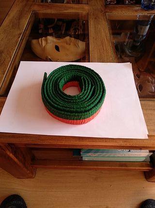 cinturón naranja-verde