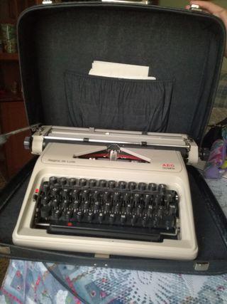 Maquina escribir AEG