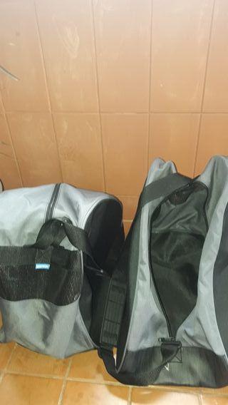 Vendo bolsas de patines/ botas de esqui