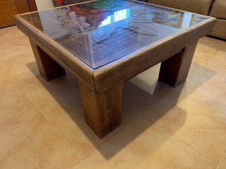 Dos mesas de madera