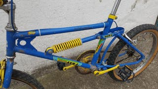 Bicicleta BMX Akimoto