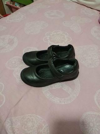 zapatos niña Geox para colegio