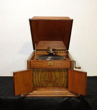 Antigua gramola - gramófono