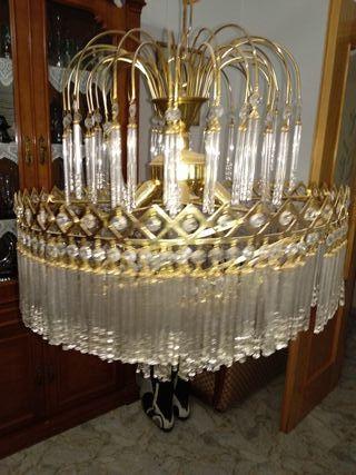 Lámpara de cristal para salón.