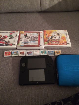 Nintendo 2ds con funda original + 10 juegos