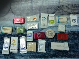 Colección 20 pastillas pequeñas de jabón