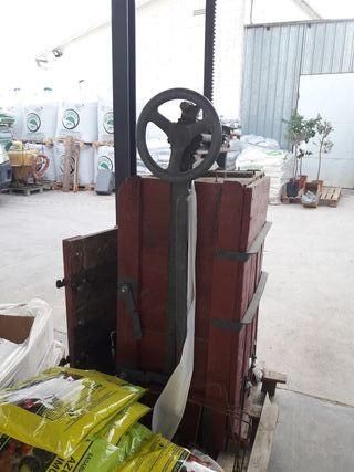 prensa plastico y carton