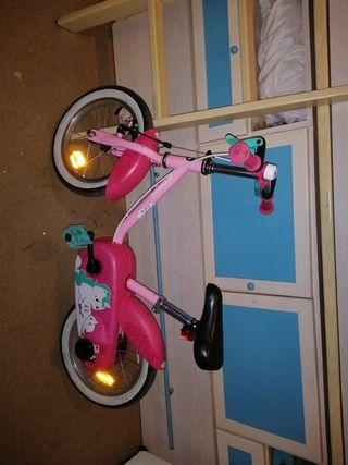 bicicleta niña pequeña unícornio