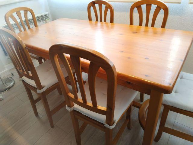 Mesa de comedor y 6 sillas de pino provenzal de segunda mano por 240 ...
