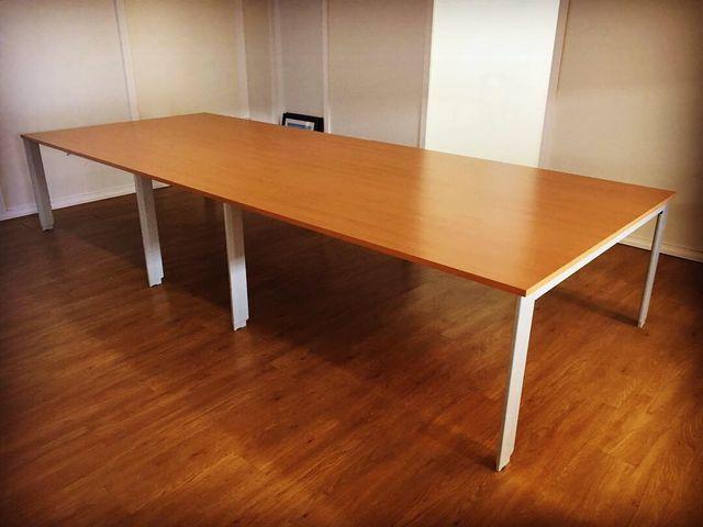 Mesa de reuniones para oficina de segunda mano por 450 € en ...