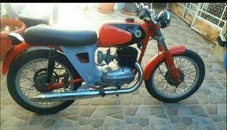 Bultaco Junior 125.