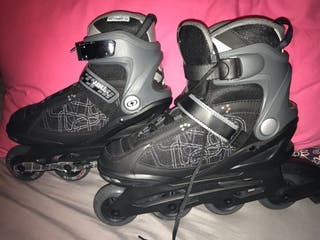 COMPLETELY NEW ROLLER SKATES