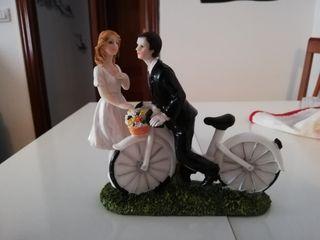 figura de novios tarta nupcial.