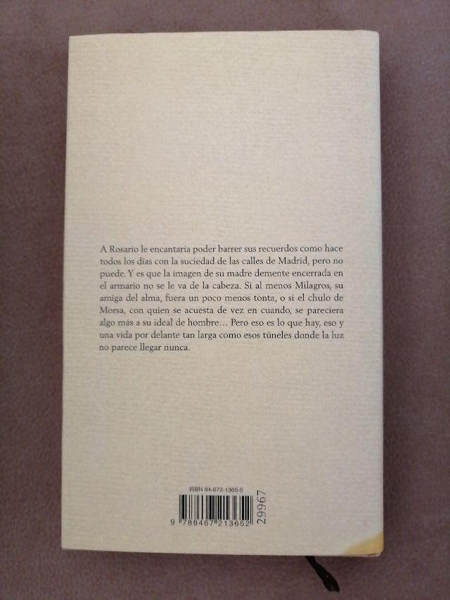 Libro : Una palabra tuya. Elvira Lindo