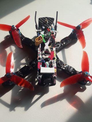 Dron de carreras y freestyle