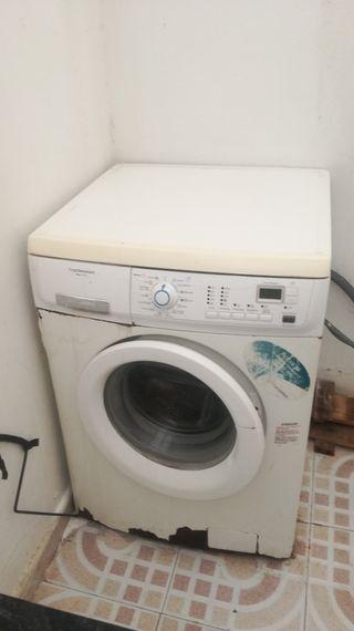 lavadora en muy buen fincionamiesto