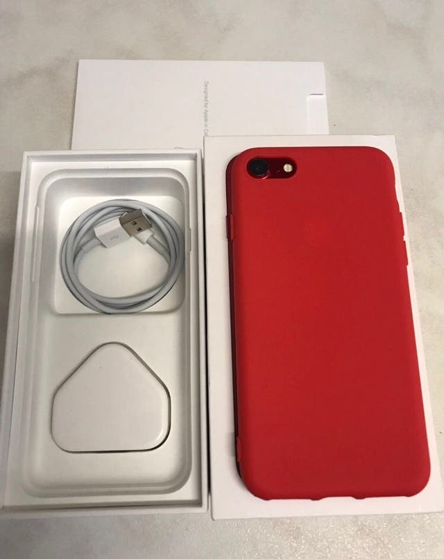 IPhone 7 32GB RED UNLOCKED