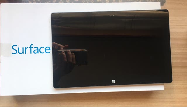 WINDOWS SURFACE (TABLET)
