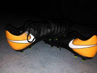 25 Futbol Nike Mano € De Segunda Tiempo Por Botas Rey En Arganda Del Yf7bv6gy
