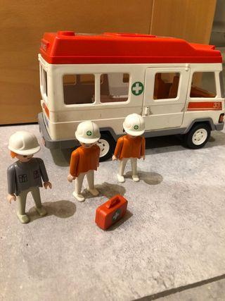 Ambulancia Playmobil