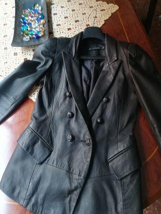 chaqueta piel zara, talla S