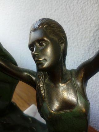 Figura de Bronce de Mujer Figura de sal