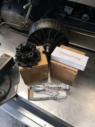 plato porta escobillas y escobillas motor agni