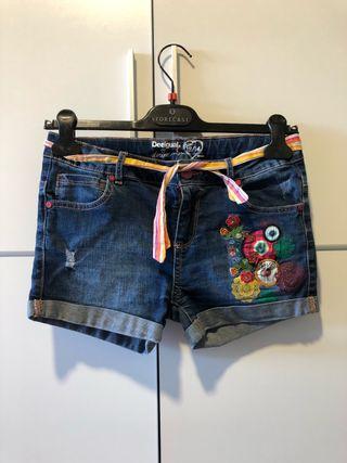 Niña Segunda Mano 8 De Desigual Por Cortos Pantalones Zxq57Z