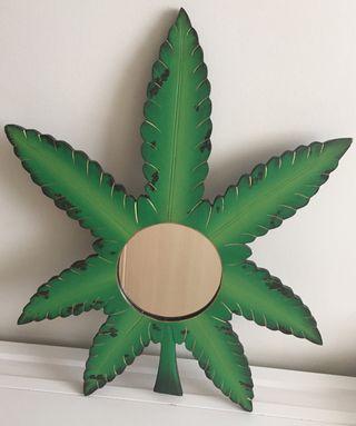 Espejo hoja de Marihuana